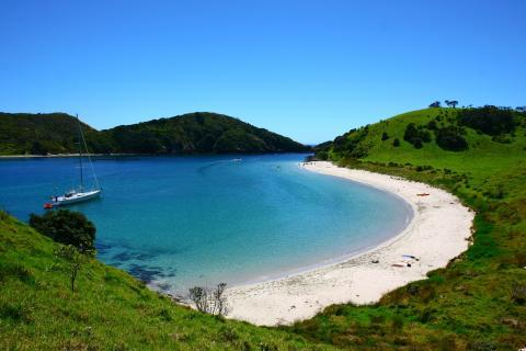 bay_of_islands_new_zealand.jpg