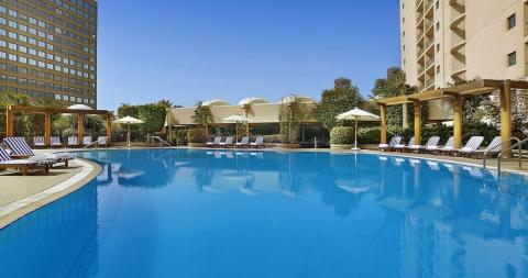 Hotel_Conrad_Cairo_swimmingpool