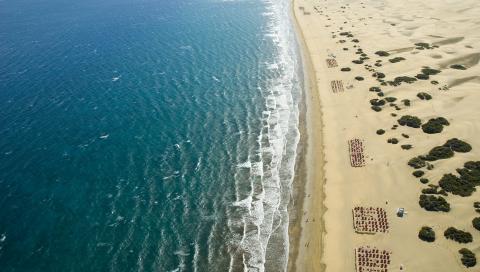 kanari_maspalomas_beach_istock_1.jpg