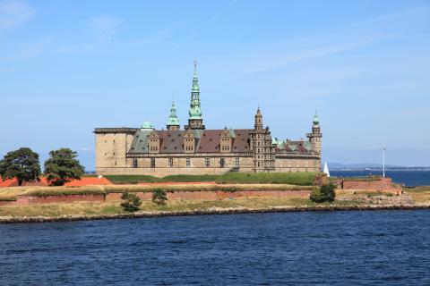 kronborg_castle_bruin.jpg