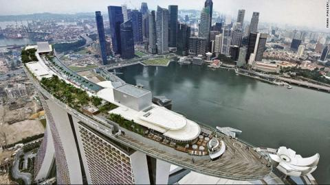 singapore-skyline-exlarge-169.jpg