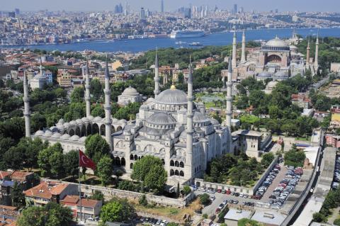 thessalonikia_sigling_istanbul_hagia_sophia.jpg