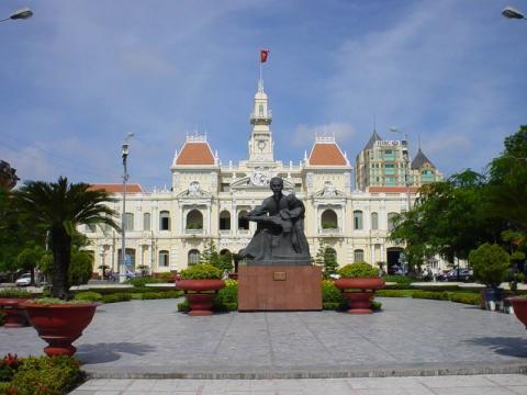 ho chi minh_Vietnam_sigling_Hanoi_hochiminh_square.jpg