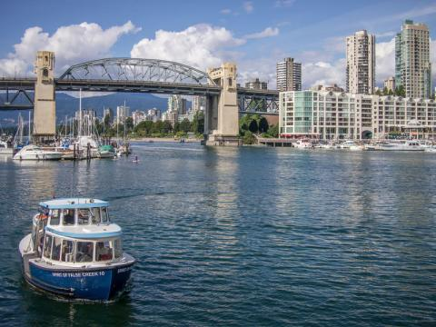 Vancouver_canada_sigling_.jpg